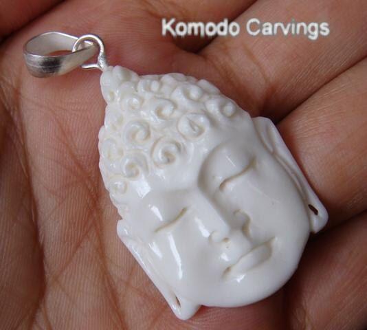 Hand Carved Bovine Bone Budha Pendant BP103IM por KomodoCarvings