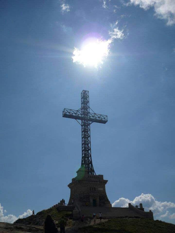 Crucea Eroilor - Munții Bucegi - Carpați - Romania