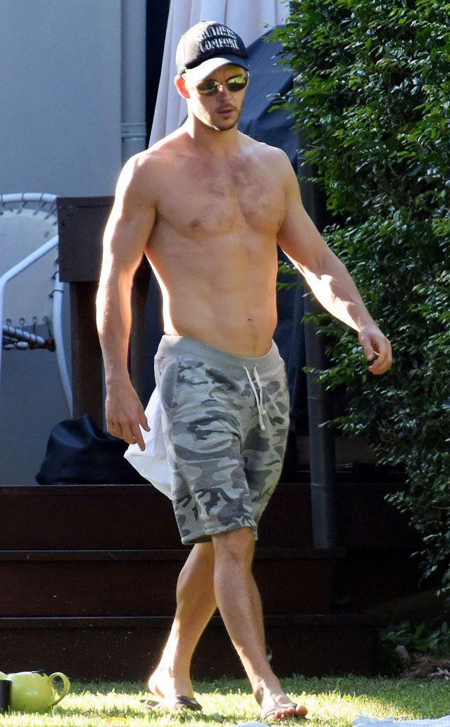 Hot damn! True Blood star Ryan Kwanten shows off his fine physique.