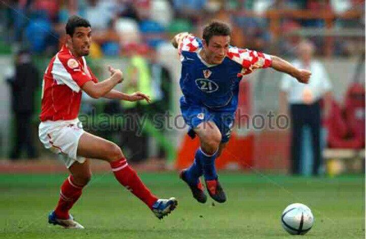 Switzerland 0 Croatia 0 in 2004 in Leiria. Robert Kovac beats his marker in Group B at Euro 2004.