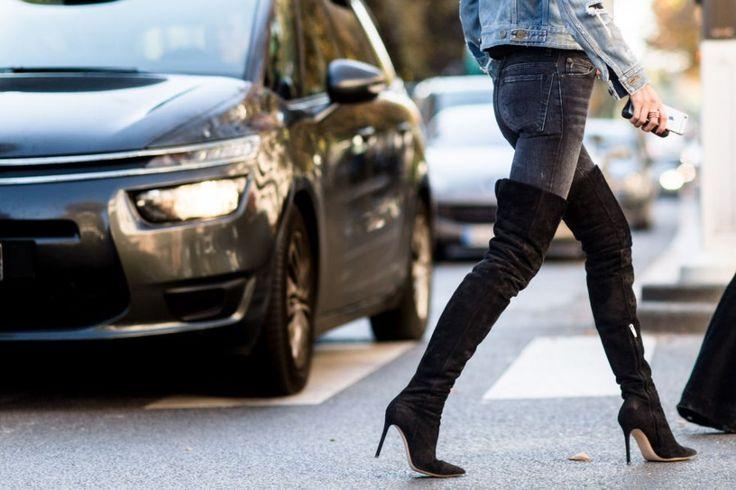 Wil je het komende seizoen on trend zijn, dan voeg je beter een paar knielaarzen toe aan je schoenencollectie. Want, in case je het nog niet doorhad, 'over...