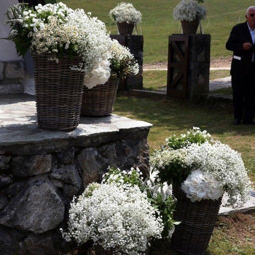MATRIMONIO IN MONTAGNA a Pian delle Betulle #church #location #flowers #elisabettacardani #elisabettacardaniflowers #italianstyle #love #wedding