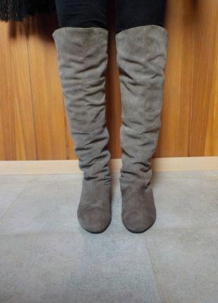 Kaufe meinen Artikel bei #Kleiderkreisel http://www.kleiderkreisel.de/damenschuhe/stiefel/129273566-overknee-stiefel-grau-beige-veloursleder
