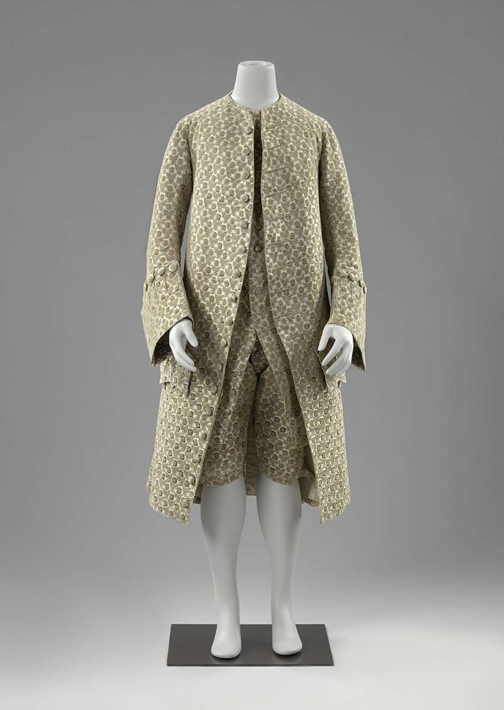 1740-1765, France or the Netherlands - Suit: coat, breeches and vest - Silk, wood, linen