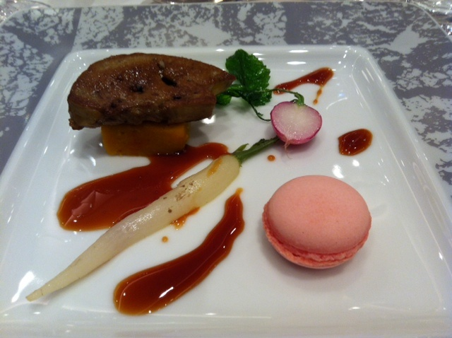 Beautiful wedding reception dinner from a wedding at Tokyo's Capitol Hotel  #weddingfood #catering #weddingreceptionfood #foodforwedding #weddingfoodideas