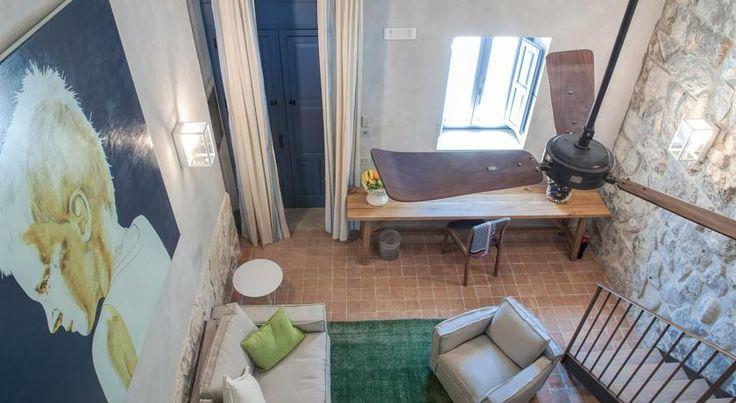 Immerso nella campagna siciliana, l'albergo a 4 stelle Masseria Della Volpe di Casale Modica vanta una piscina all'aperto con bar a bordo vasca, un...