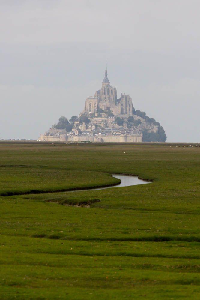 le mont-saint-michel - basse normandie, france.