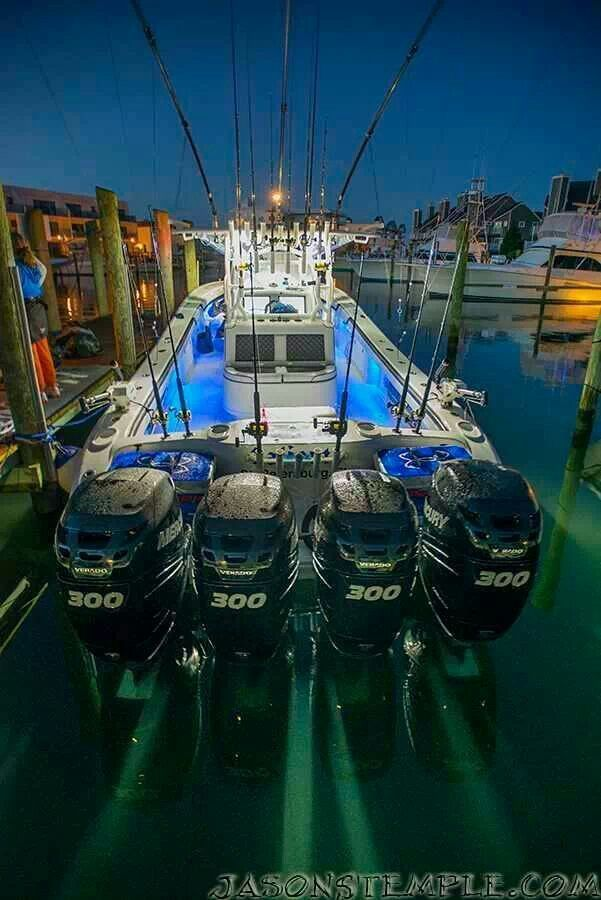 De 30 b sta bass boats bilderna p pinterest for Deep sea fishing houston