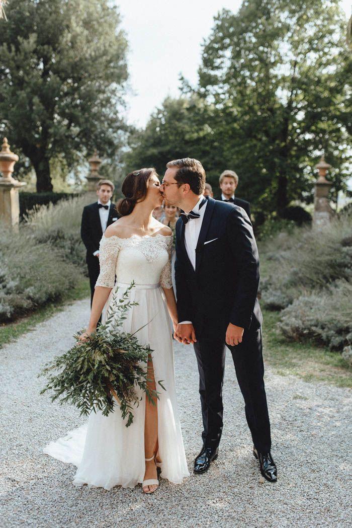 This Tuscan wedding is lavish yet laid-back | Image by Kreativ Wedding