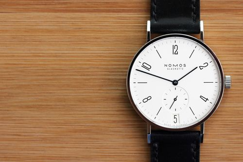 Hands-On With The Nomos Tangente Datum, Winner Of A 2012 Good Design Award