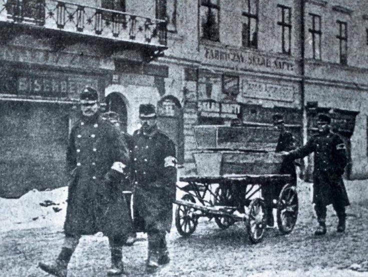 A burial detail in Przemysl.