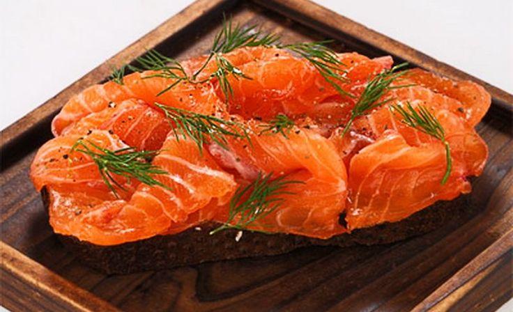 Многие из нас покупают к ужину или праздничным застольям селедку, копченую рыбу или замаринованное рыбное филе. Но не всегда удается купить то, что хочется, ведь современные производители злоупотребля…