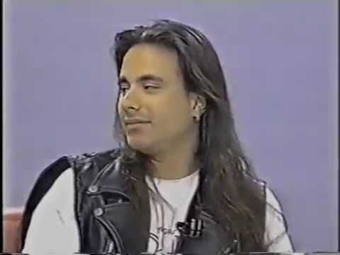 Entrevista de Kiko Loureiro e André Matos na TV Bahia (1996)