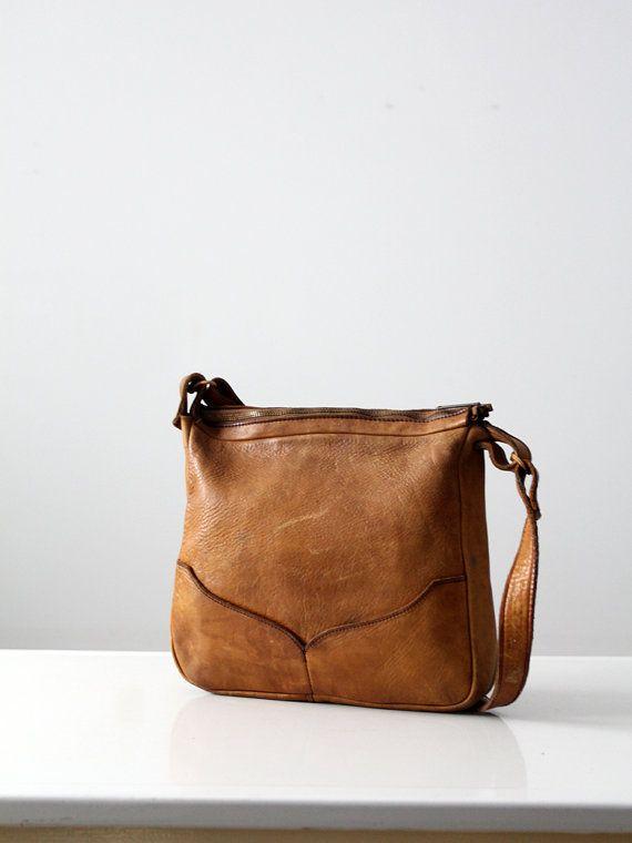 vintage 70s leather bag / brown boho purse (http://www.etsy.com/listing/180127175/vintage-70s-leather-bag-brown-boho-purse?utm_campaign=Share&utm_medium=PageTools&utm_source=Pinterest)