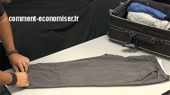 Il existe une technique géniale pour gagner de la place dans sa valise.  L'astuce est de rouler les vêtements au lieu de les plier.  Découvrez l'astuce ici : http://www.comment-economiser.fr/gagner-place-dans-sa-valise.html?utm_content=buffer6ba52&utm_medium=social&utm_source=pinterest.com&utm_campaign=buffer