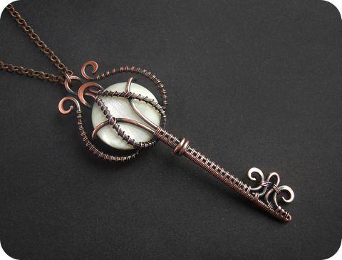 Wire key pendant. Inspiration #Jewellery #wirework