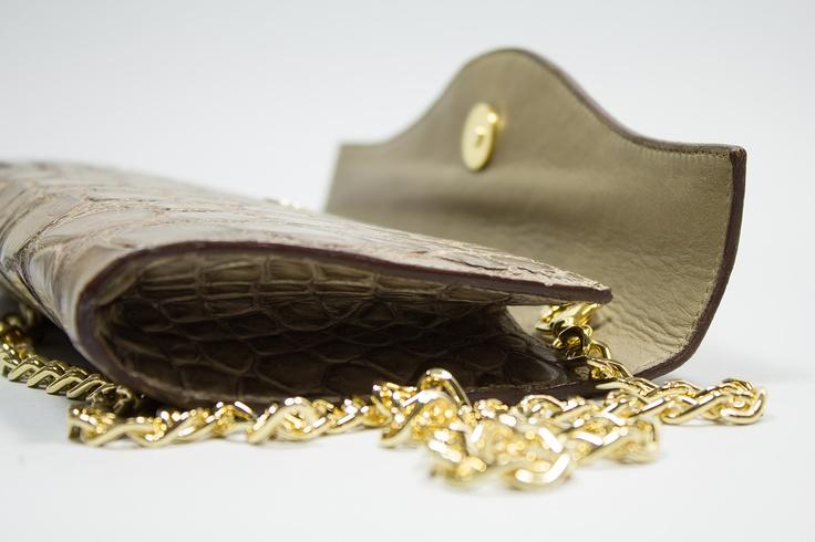 SILVY    Elegant clutch with chain
