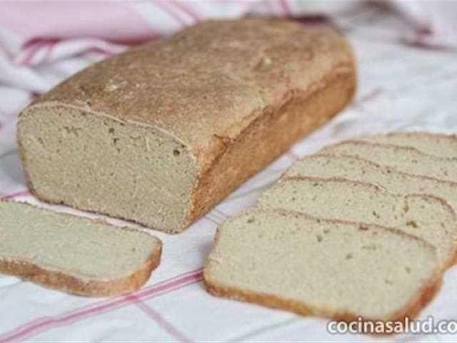 """Pan sin gluten. Vale la pena aprender a hacer pan sin gluten, ya que todo lo que se vende """"sin gluten"""" es mucho más caro y no es fácil de encontrar en algunas panaderías."""