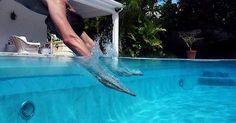 Hausmittel für den Swimming-Pool, damit Chemie-Bomben im Laden bleiben können - Bild von SuperFantastic [CC-BY-2.0]