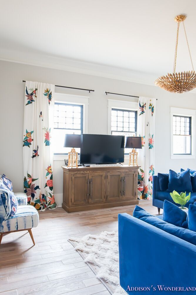 Curtains are Soaring Starlings Curtain by Anthropologie. Spring Curtains Curtains are Soaring Starlings Curtain by Anthropologie. #Curtains #SoaringStarlingsCurtain #Anthropologie Home Bunch's Beautiful Homes of Instagram @addisonswonderland