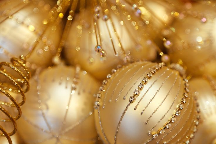 20 More Ball Decoration for a Free Christmas Wallpaper and Christmas Background Image  - http://www.myfreetextures.com/20-more-ball-decoration-for-a-free-christmas-wallpaper-and-christmas-background-image/