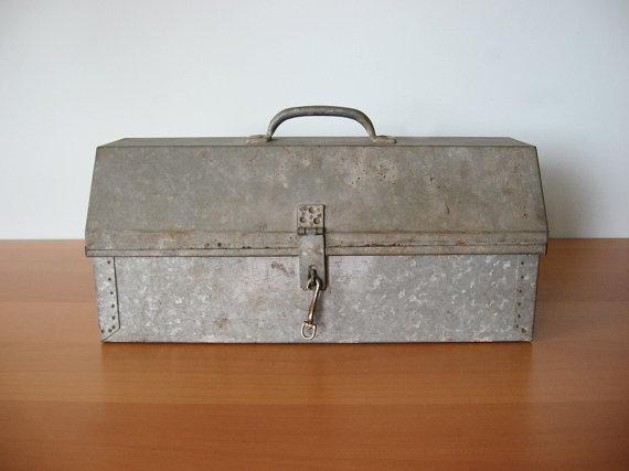 Vintage Toolbox by VintageSeventyFive via Etsy
