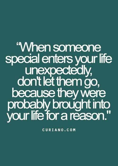 J'imagine que je serais jamais assez spécial, ça l'air que personne veut me garder dans leurs vies!...