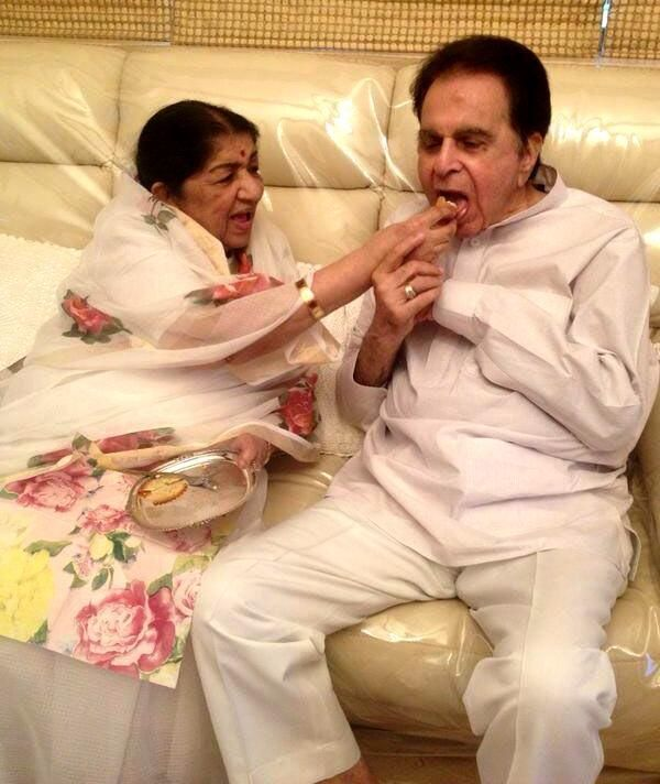 Lata Mangeshkar found out about Dilip Kumar's health from news reports #FansnStars