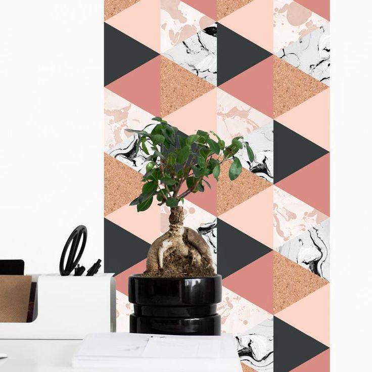 papier peint geometrique Lipstick. des couleurs pastelles, du contraste, un arlequin et de la matière. ce papier peint géométrique Les Claquettes est à croquer.  #magneticwall #magnetic #wallpaper #geometric #design