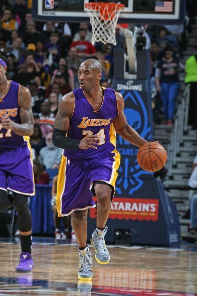 Kobe looks ahead as he brings the leather up the floor: Bryant suffered a right shoulder rotator cuff tear in the third (4:14 left in the quarter) after converting on a two-handed dunk.  He could be out for the year with this latest injury. (January 21, 2015 | Los Angeles Lakers @ New Orleans Pelicans | The Smoothie King Center in New Orleans, Louisiana)