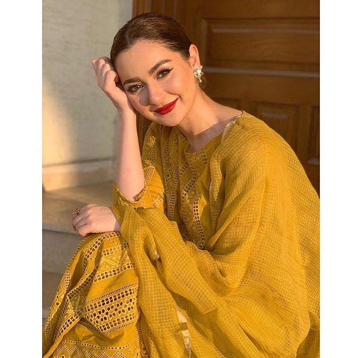Hania Amir looks drop dead gorgeous in a mustard outfit paired with a red  pout and sleek bun this Eid‼️🥰😍🤩 @haniah… | Mustard outfits, Fashion,  Pakistani outfits