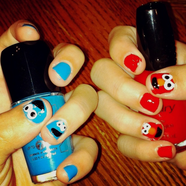 Cookie Monster / Elmo nails