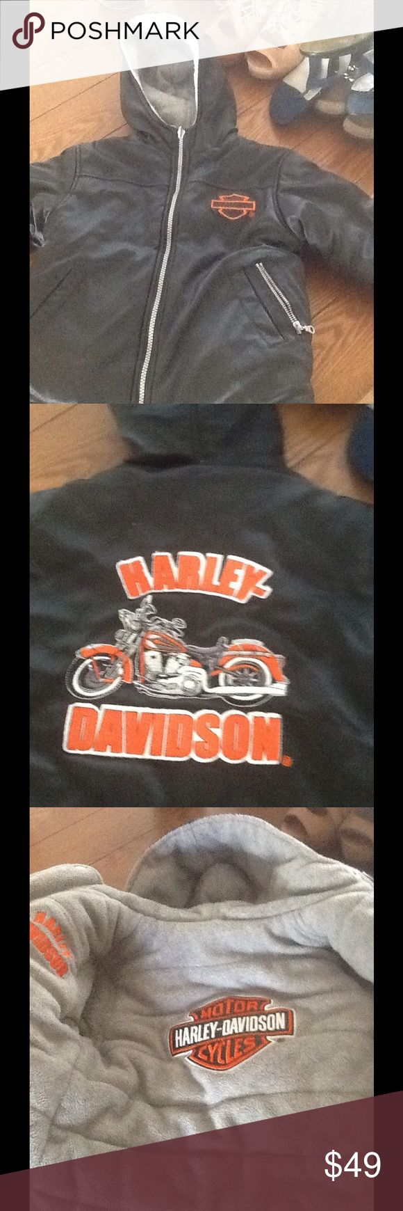 Harley Davidson reversible coat size 3 T 3t Harley Davidson reversible black water resistant coat on one side with grey fleece on the other. Size 3t truly an adorable coat Harley-Davidson Jackets & Coats Puffers