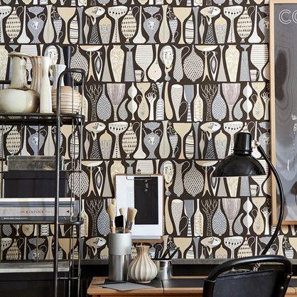 Pottery - tapet designet at Stig Lindberg der igennem hele sig karriere var meget optaget af keramikken, en interesser der ikke fornægter sig i dette tapet.