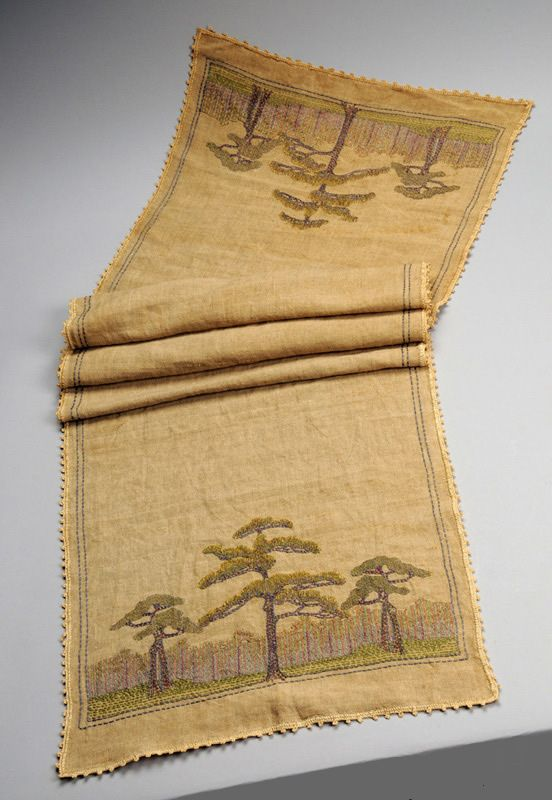 Newcomb College - Table Runner. Embroidered Linen. Circa 1910.