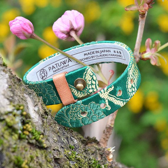 Japanese kimono bracelet. Genuine leather covered with japanese kimono fabric. Green and gold dragon. Japanese jewelry. Gift. Made in Japan