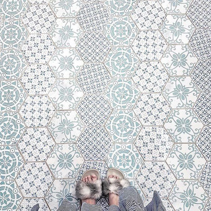 """6,626 Likes, 14 Comments - I Have This Thing With Floors (@ihavethisthingwithfloors) on Instagram: """"Looks like winter is coming ❄️ photo by @christinehandoko #fluffyfeet #ihavethisthingwithfloors…"""""""