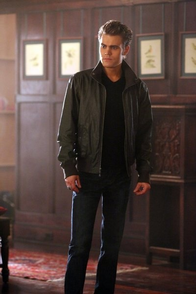 Paul Wesley hot photo - Paul Wesley sexy picture - Paul Wesley in The Vampire Diaries picture #9 of 143