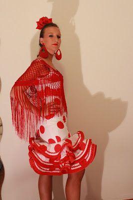 Trajes de flamenca, feria de Abril, volantes,Sevilla, como hacer un como hacer un traje de Flamenca vestido de gitana.Patrones de trajes de Flamenca,Falda enagua para trajes de Flamenca.Patrones de Flamenca