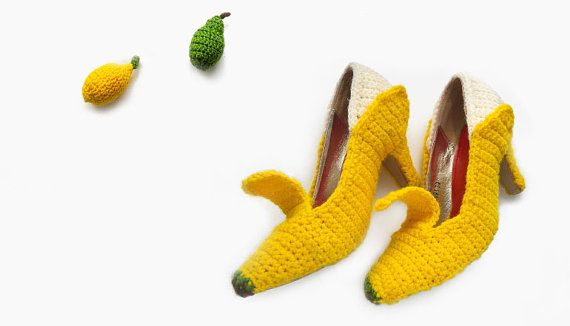 Check out these really cool Banana Peel Heels by Fruit Punch #crochet #art #wearables #fashion #shoes: Fruit Punch, Crochet Shoes, Crochet Bananas, Crocheted Fruit Shoes 1, Crochet Fruit Shoes 1, Bananas Peel, Bananas Heels, Levis Ellentuck, Bananas Shoes
