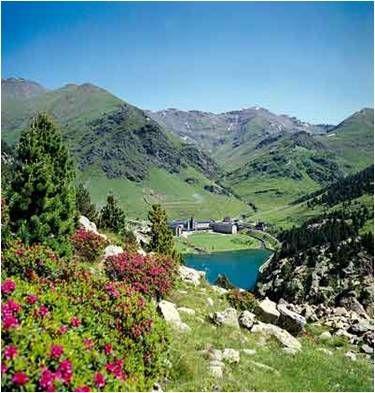 Vall de #Núria near #Queralbs, #Pyrenees www.kokopeli.es