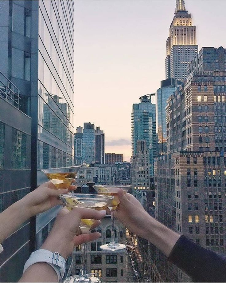 A view that turns a night with friends into so much more. The Marmara Park Avenue  #luxury #cheers #marmaranyc : @carissa_burton
