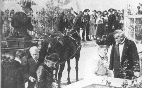 Fascismo - cerimonie - Cremona - Ospedale dei Bambini - Visita della Regina Madre (Ernesto Fazioli 1925)