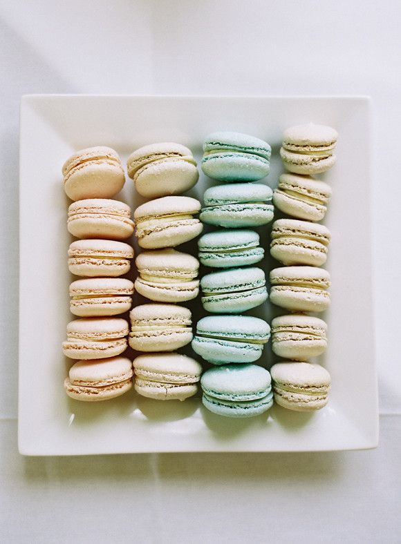Sweet Macarons: Photo by Victoria Phipps via Wedding Sparrow