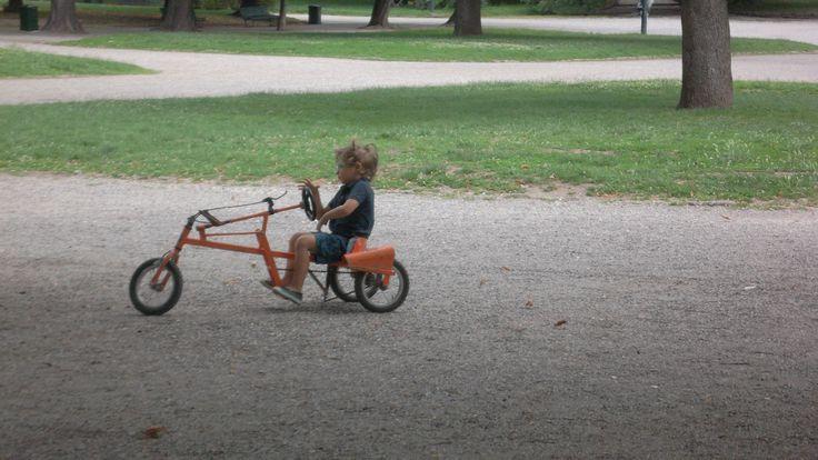 le automobiline a pedali nella versione 2014