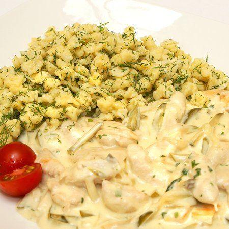 Egy finom Orosz uborkás-gombás csirke kapros galuskával ebédre vagy vacsorára? Orosz uborkás-gombás csirke kapros galuskával Receptek a Mindmegette.hu Recept gyűjteményében!