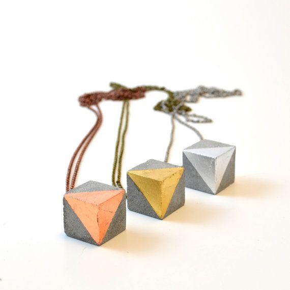 Concrete necklace with copper cube / Concrete by StudioCorbelle