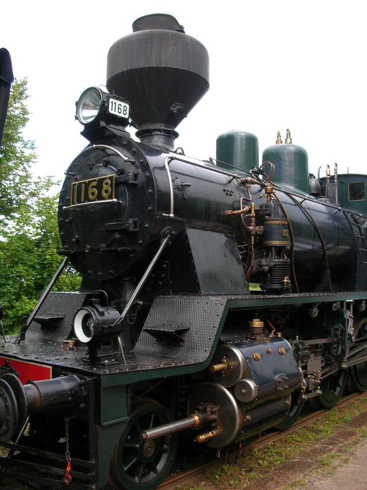 You can also get to Porvoo by train! The museum railcar known as Lättähattu, or Flat Hat, will take passengers between Helsinki and Porvoo. www.visitporvoo.fi