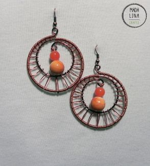 copper round earrings with jade and acrylic beads | www.facebook.com/madalinacrafts