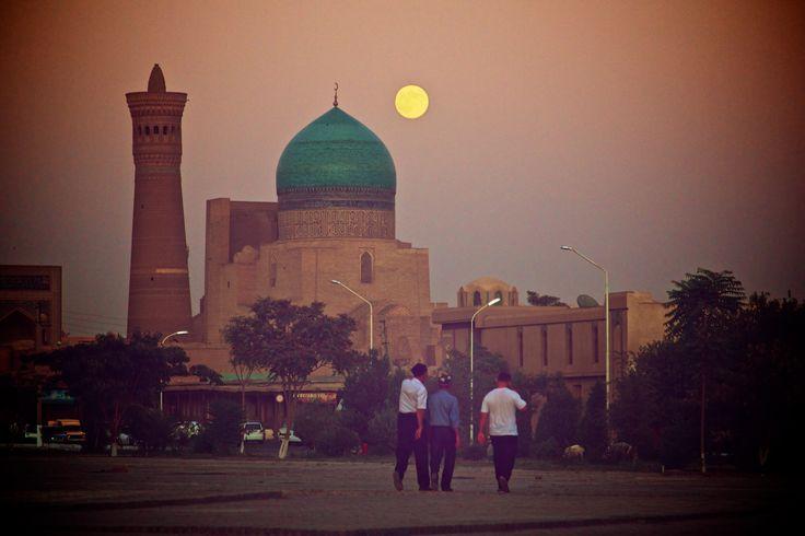 Atardece en Bukhara.